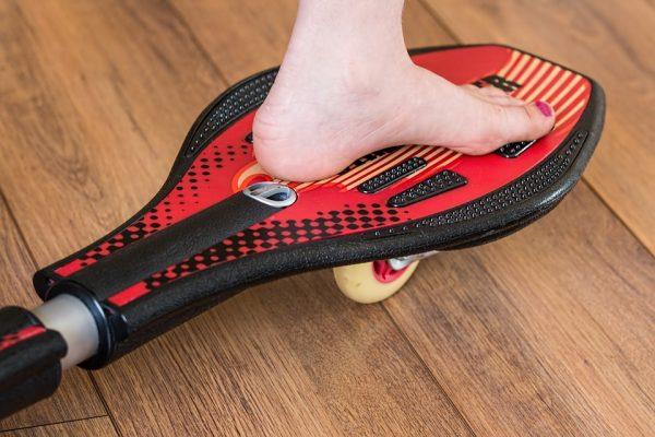 La planche à équilibre, un excellent outil de pratique de sport et d'équilibre